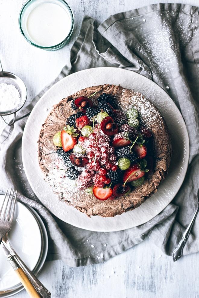 Chocolate-Meringue-Cake-with-Fresh-Berries31
